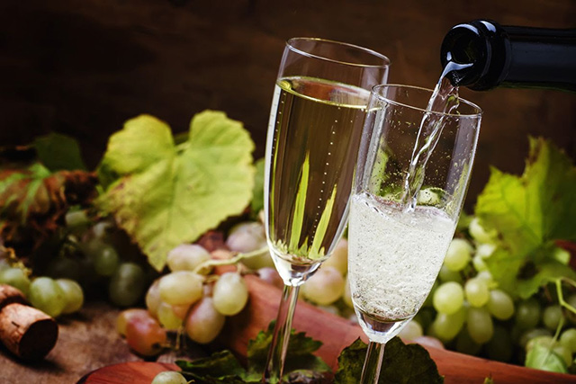 Prosecco Pop In at Select Travel Holidays
